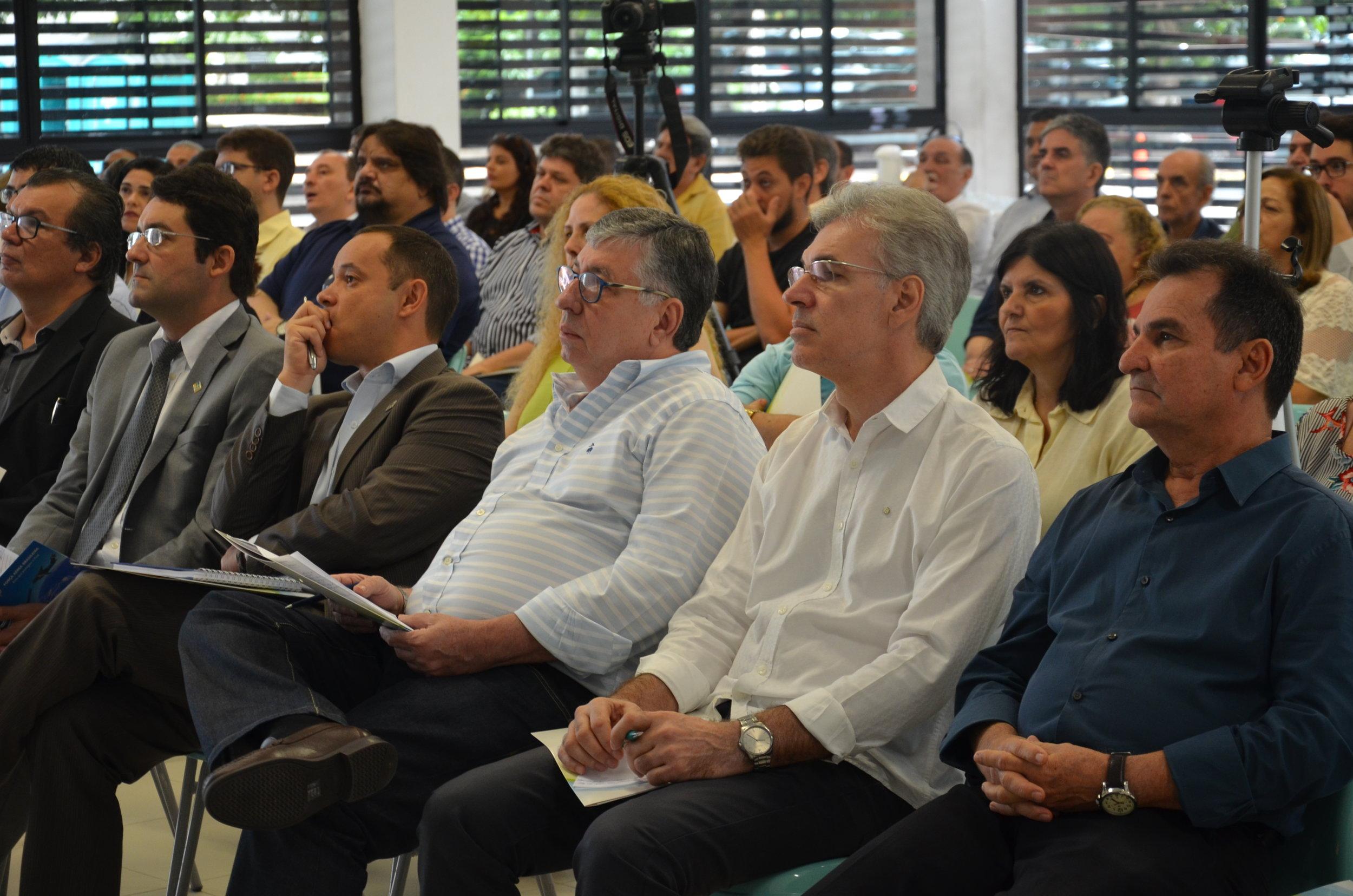 Jorge Edmundo, Presidente da Asseplag, Alex Canuto, Presidente da ANESP, Leandro Couto, Presidente da Assecor e Francisco de Queiroz Maia Júnior, Secretário da Seplag.Foto: Asseplag