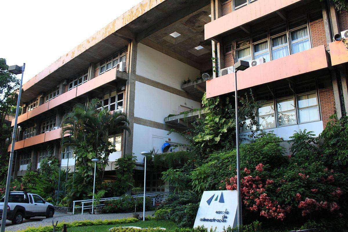 Escola_de_Administração_da_UFBA_(18427339799).jpg