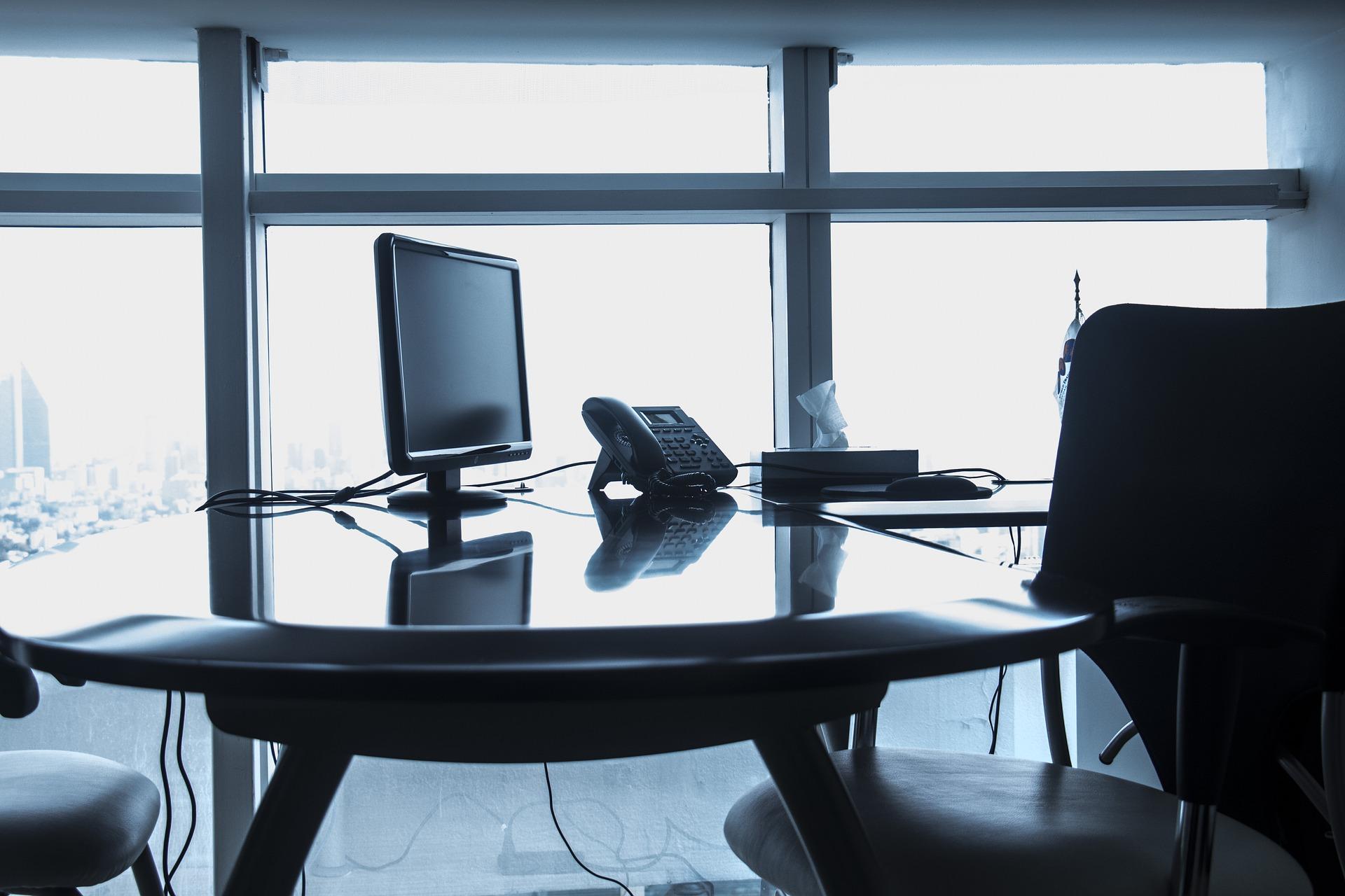 office-2009693_1920.jpg