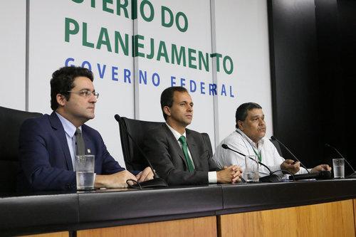 Alex Canuto, Cristiano Heckert e Tito Fróes durante o 1º Diálogo com a carreira, em fevereiro