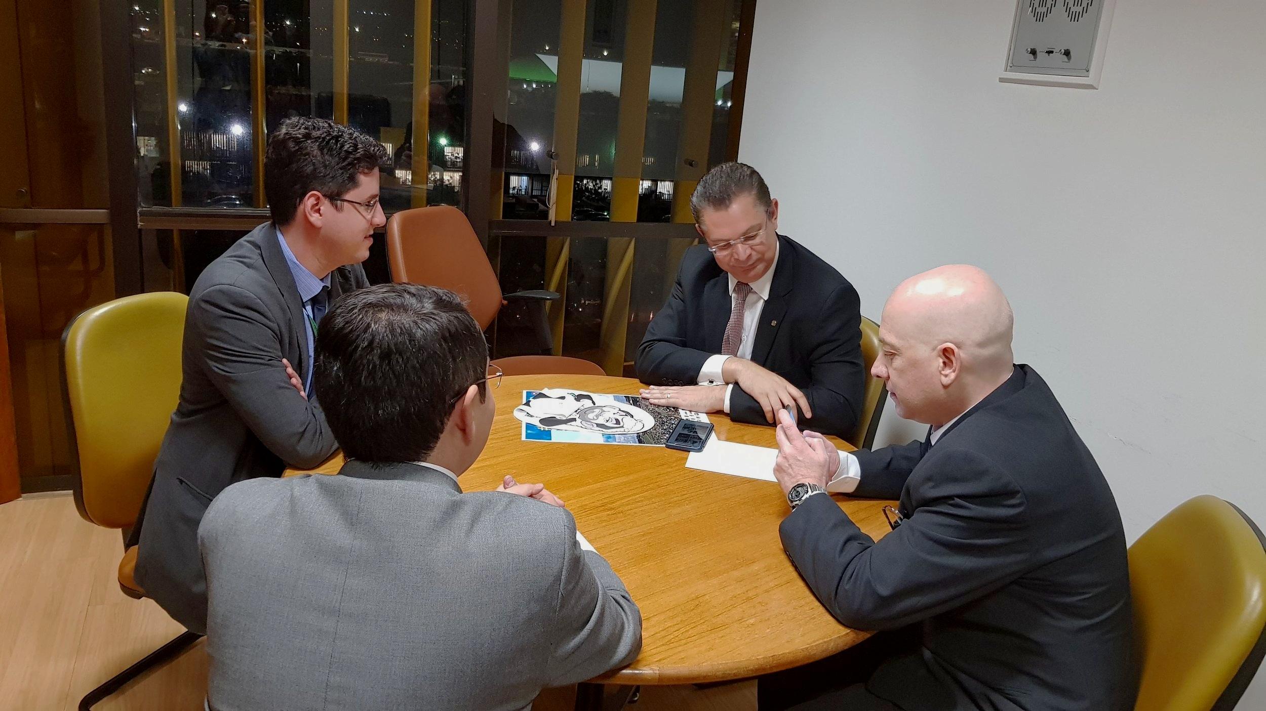 Representantes da ANESP com o Deputado Sóstenes Cavalcante