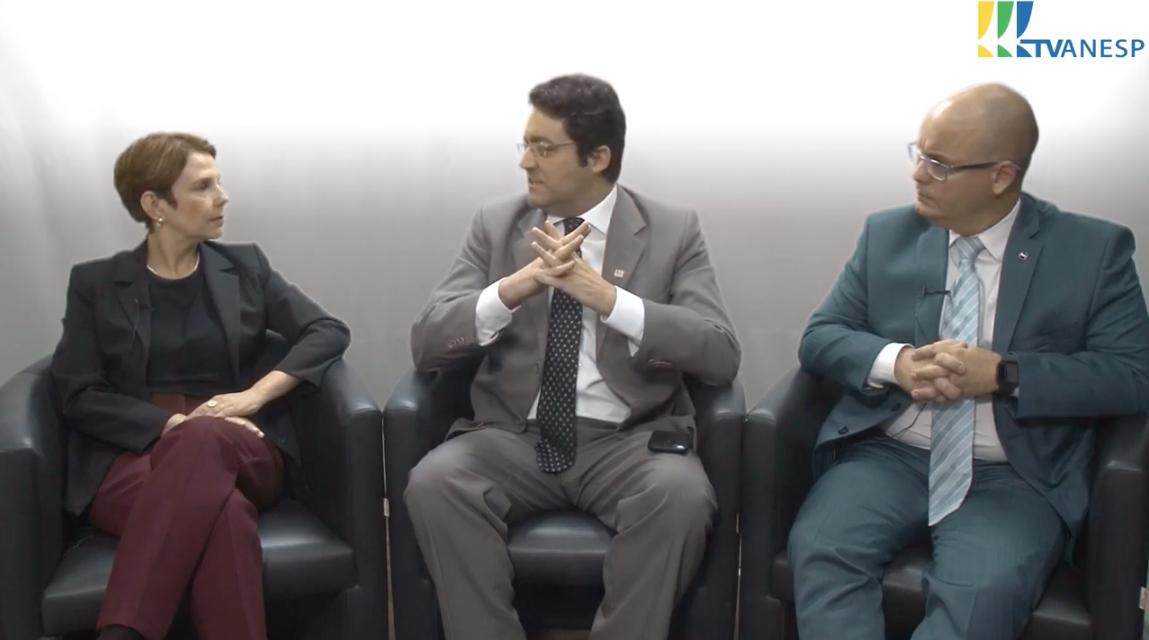 Kélvia Albuquerque, Alex Canuto e Ricardo Faria conversam sobre governança em agências reguladoras e estatais