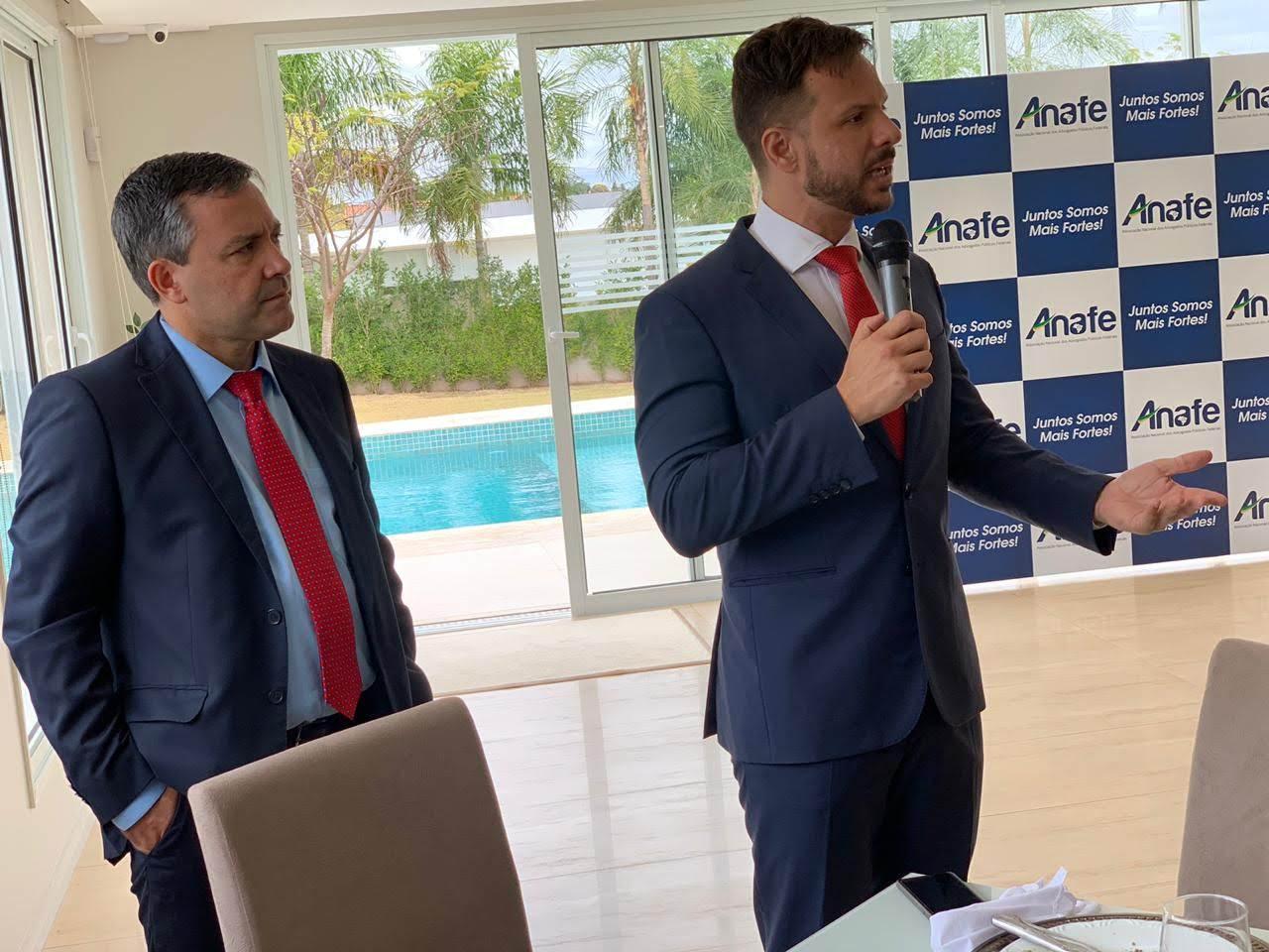 O Deputado Federal Professor Israel foi um dos participantes da reunião.