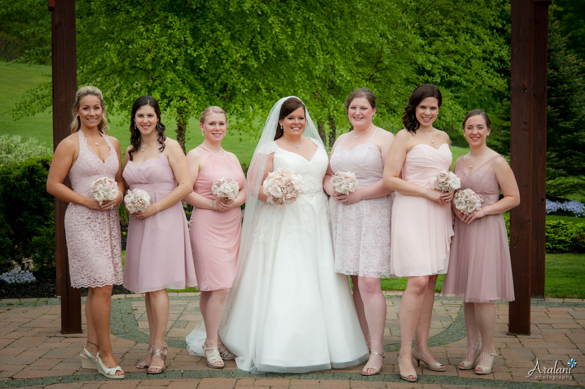 Desiree and her bridesmaids - I love the colors she chose!