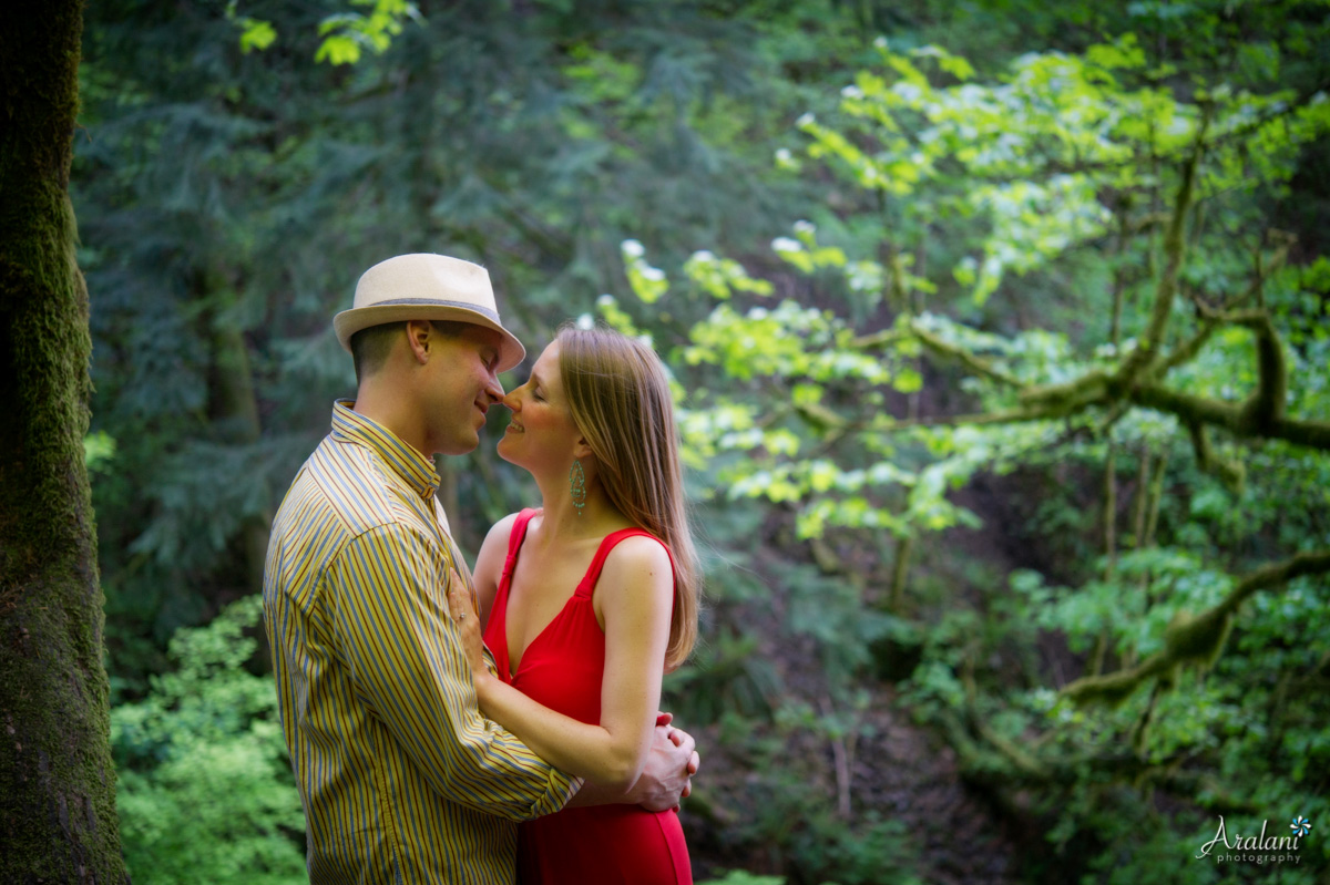 Waterfall_Engagement_Session003.jpg