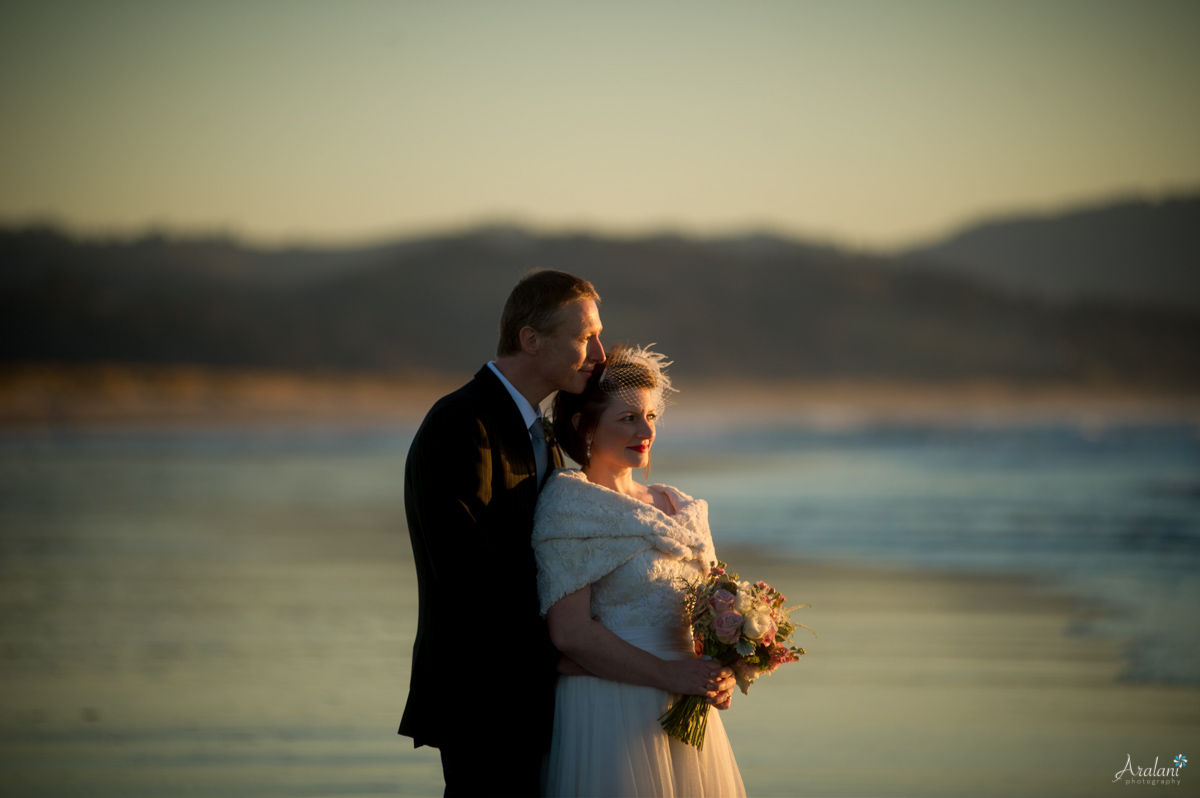 Cape_Kiwanda_Tiny_Wedding037.jpg