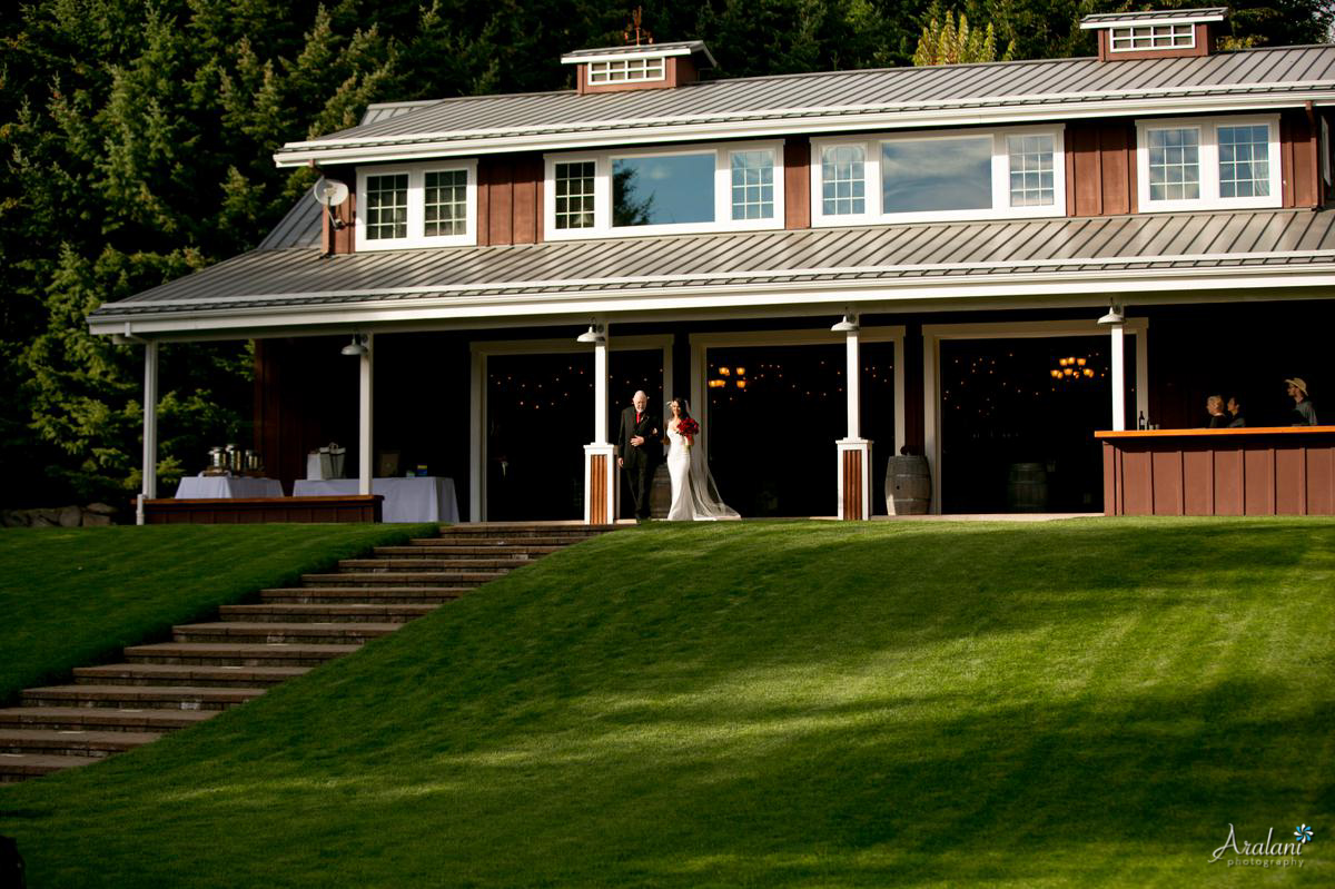 Gorge_Crest_Vineyard_Wedding020.jpg