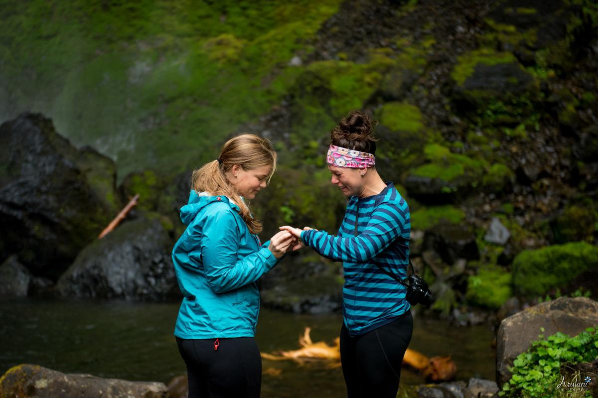 Oregon_Waterfall_Engagement0007.jpg