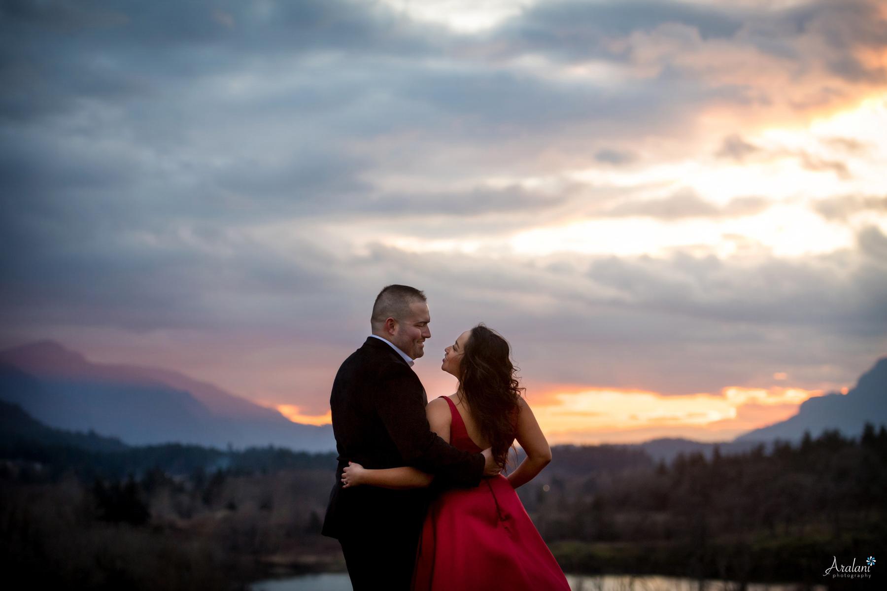 Columbia_River_Gorge_Sunset_Engagement0014.jpg