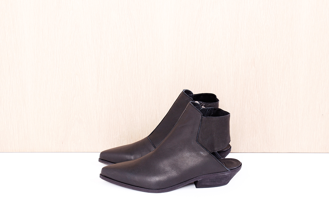 """LD TUTTLE  """"The Wind"""" in black $560 sizes ( 38, 38.5, 39, 40 available)"""