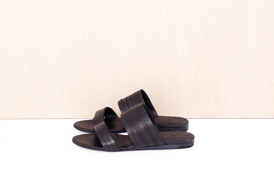 """LD TUTTLE  """"The Solus"""" in black $455 sizes (37, 38, 39, 40 available)"""