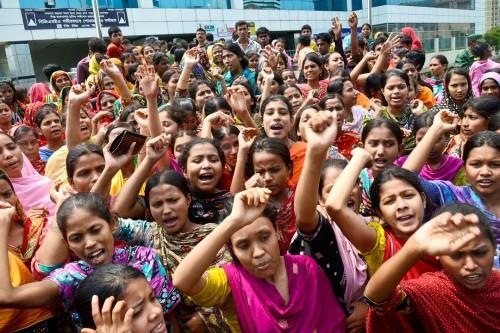 Bangladesh workers protesting