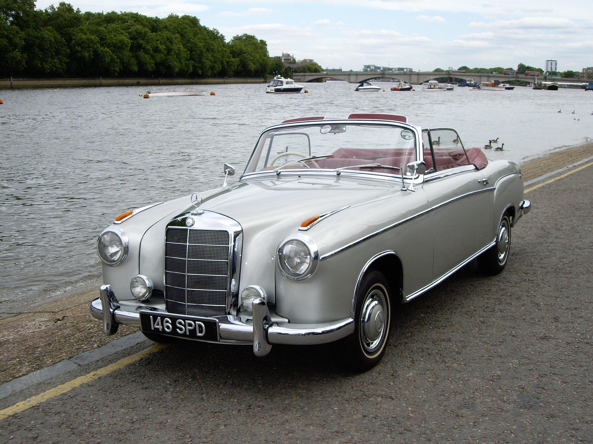 1960 Mercedes-Benz 220S Cabriolet