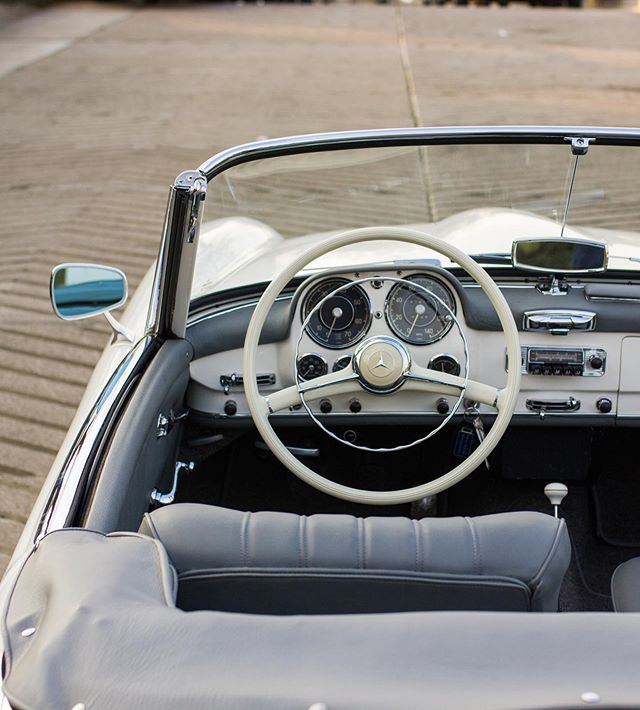 As far as dashboards go, Mercedes-Benz knew what they were doing in the 50's! It's a little work of art with its painted dash and array of switches and gauges!