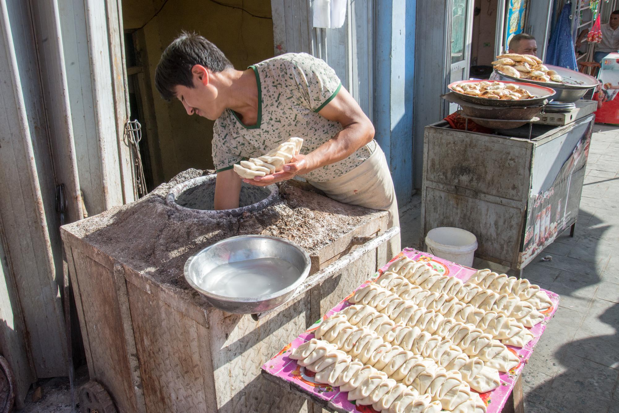 Naan maker, Kashgar Bazaar