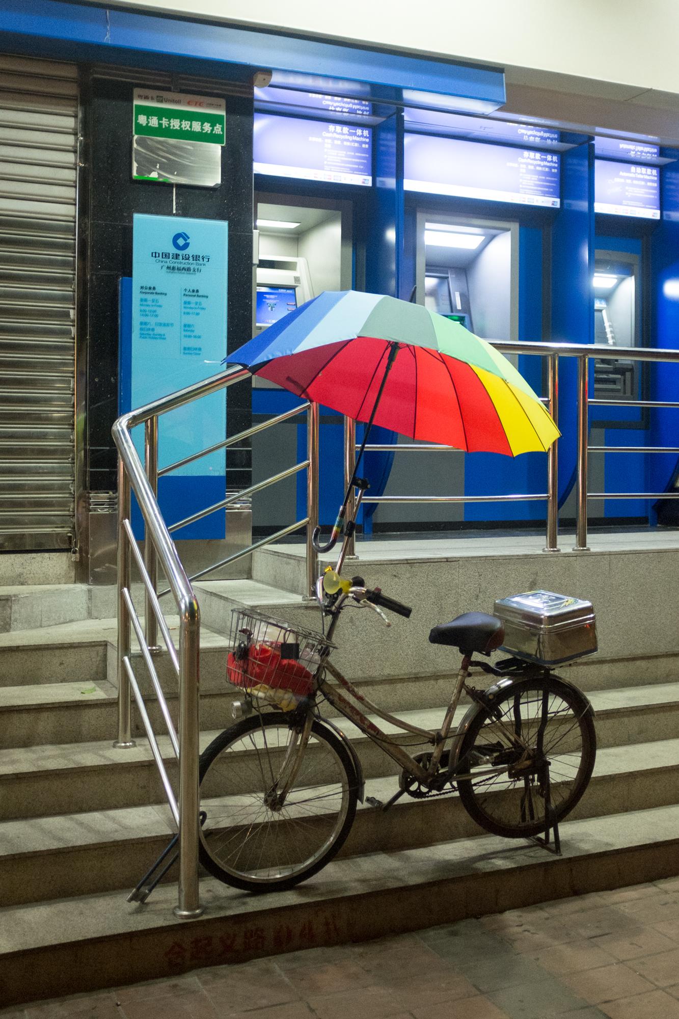 Bicycle w/Umbrella