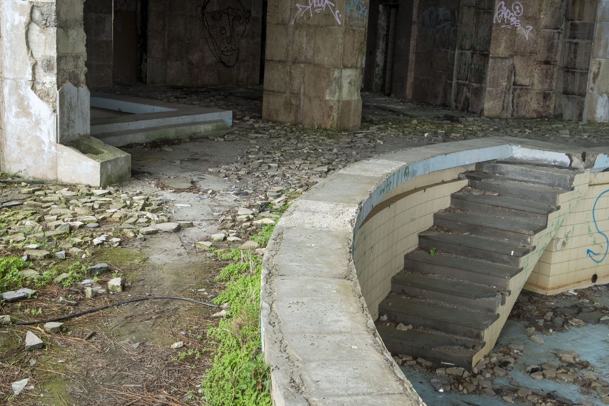 empty pool 2.jpg