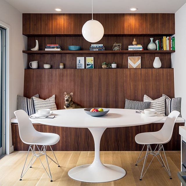 Breakfast anyone? #designtoliveby #midcenturymodern #transformativespaces 📷 @scotthargis @dwellmagazine