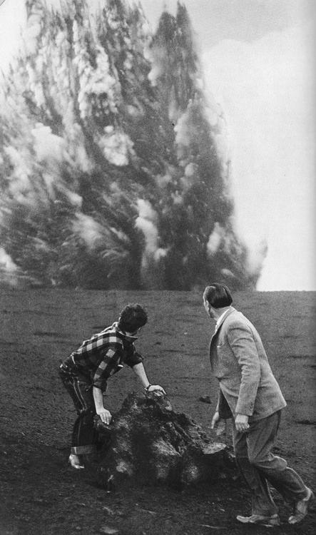45 Atlantic Volcanoes NatGeo June 1958.jpeg