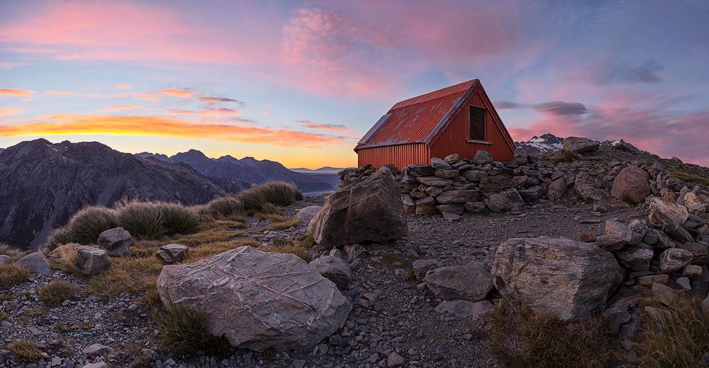 Hut Sunrise WEB V3.JPG