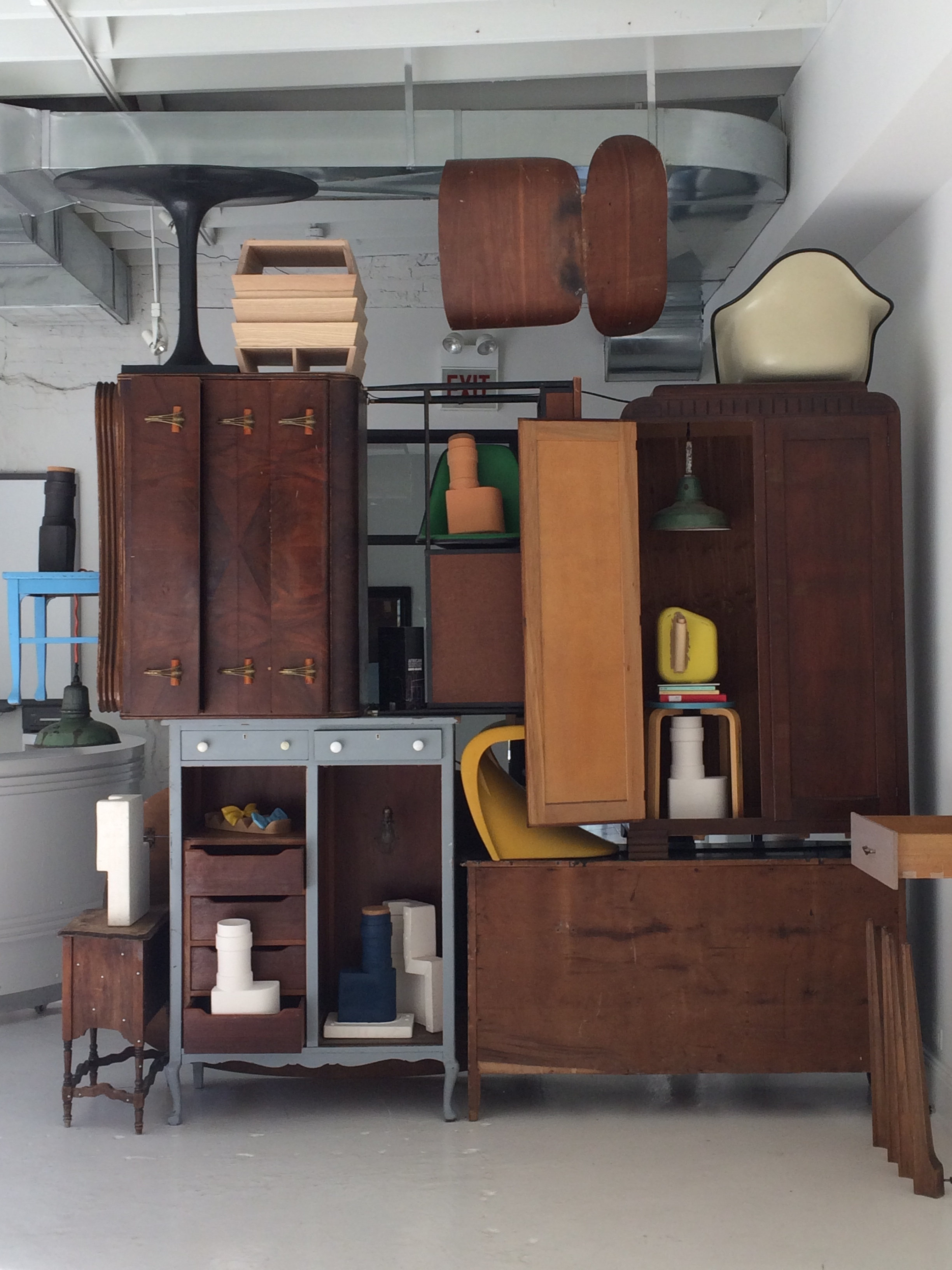 New  : Shot of Armoire Assemblage