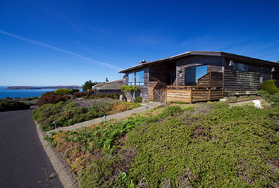 """pinnacle heights"" - a bodega bay best vacation rentals property"
