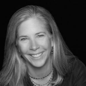 2017-02-17-Capto-Marketing-Headshot Laurie Priddy v1.0.jpg