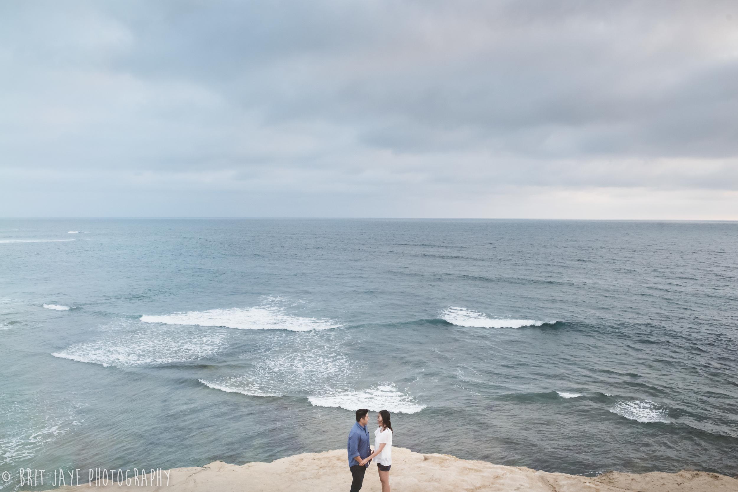 Romantic_engagement_Photography_sunset_cliffs