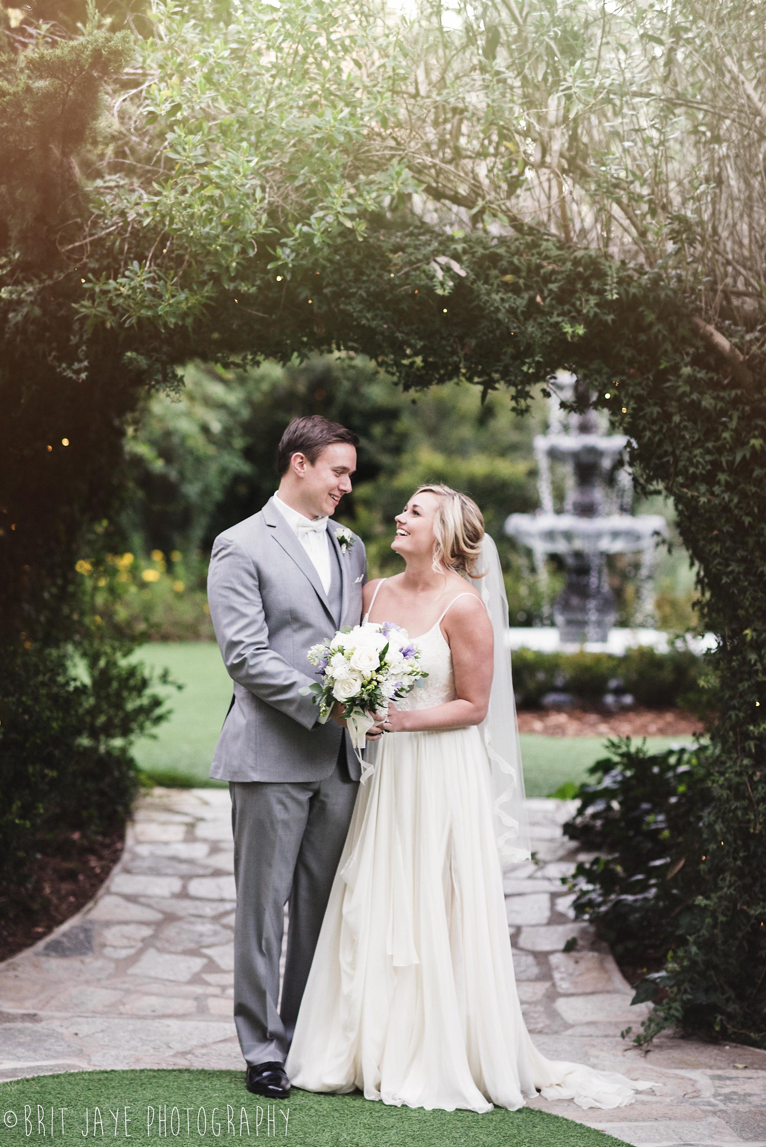 Twin_Oaks_House_and_Garden_Wedding_-1-4.jpg