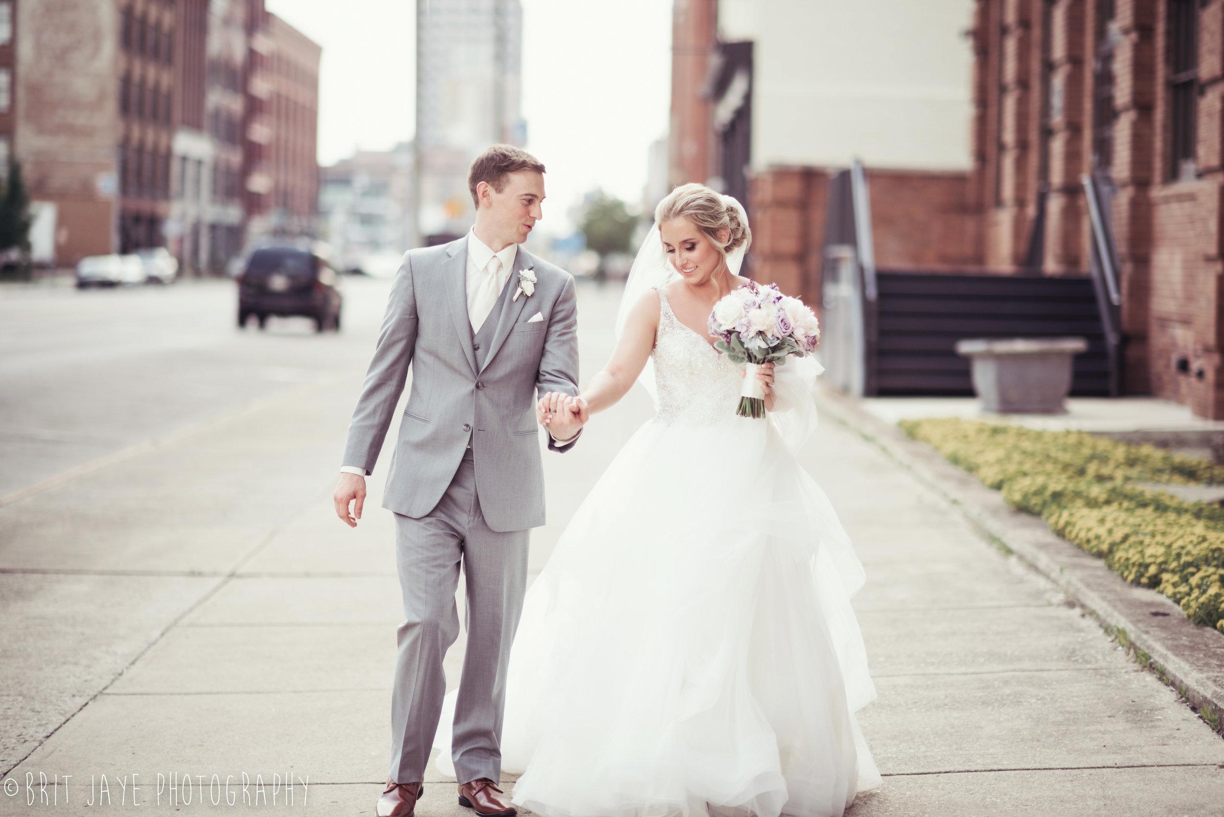 Spring_Wedding_at_Steam_Plant_Dayton-31.jpg