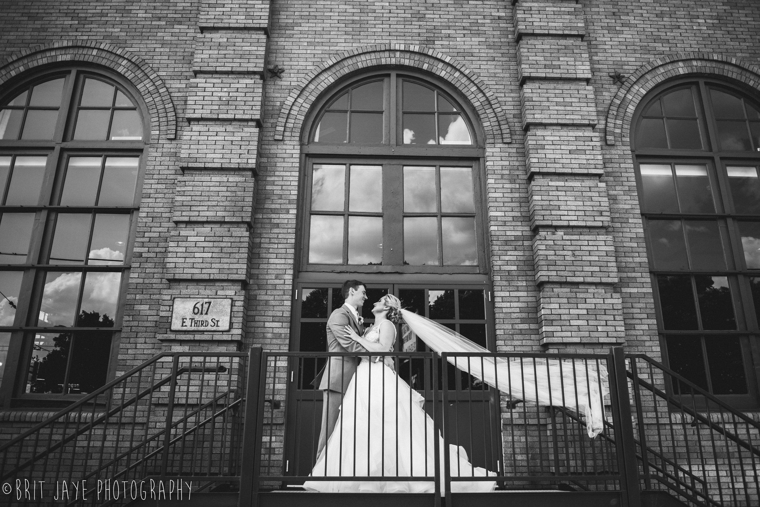 Spring_Wedding_at_Steam_Plant_Dayton-27.jpg
