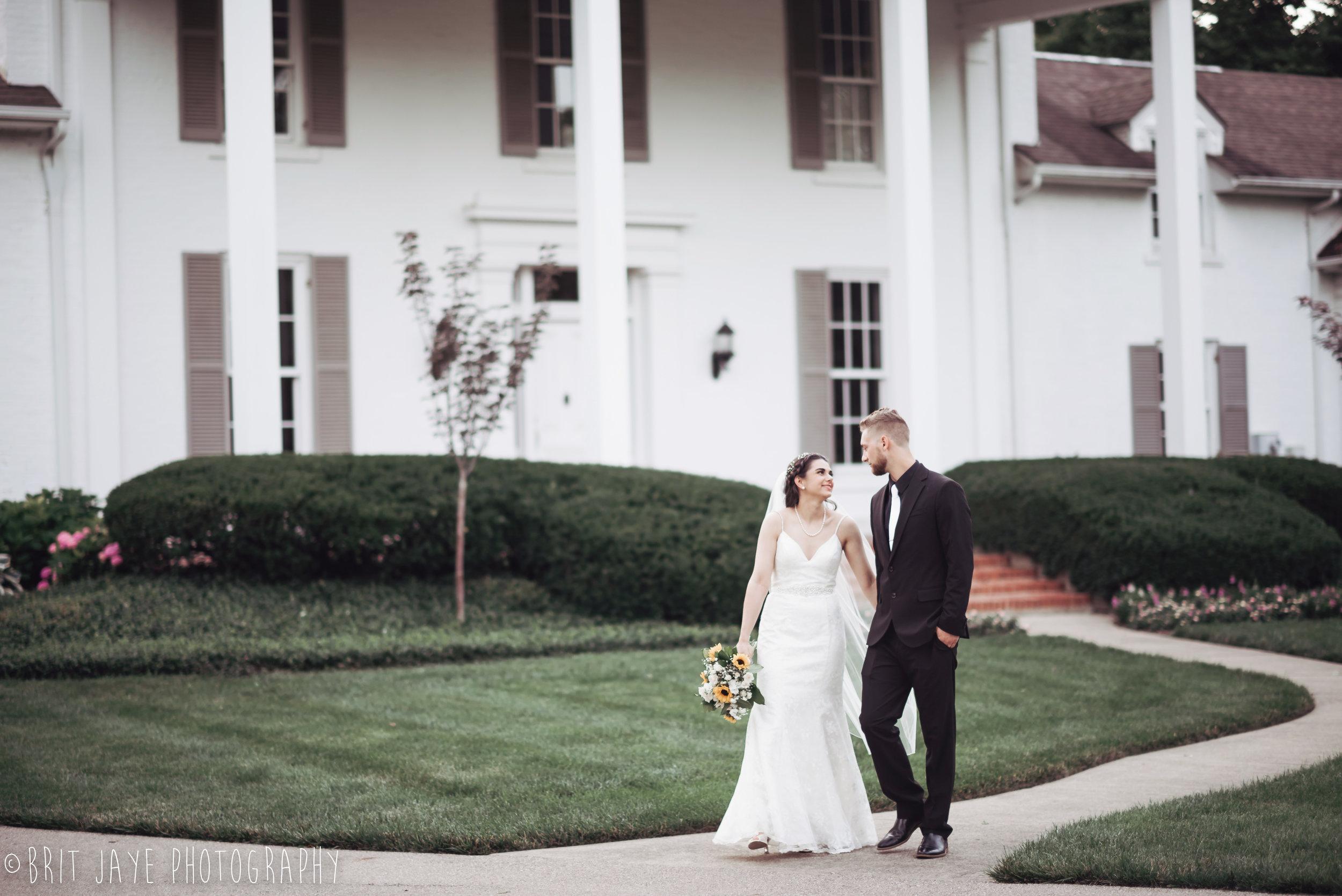Polen_Farm_Summer_Wedding_Dayton_Ohio-1-10.jpg