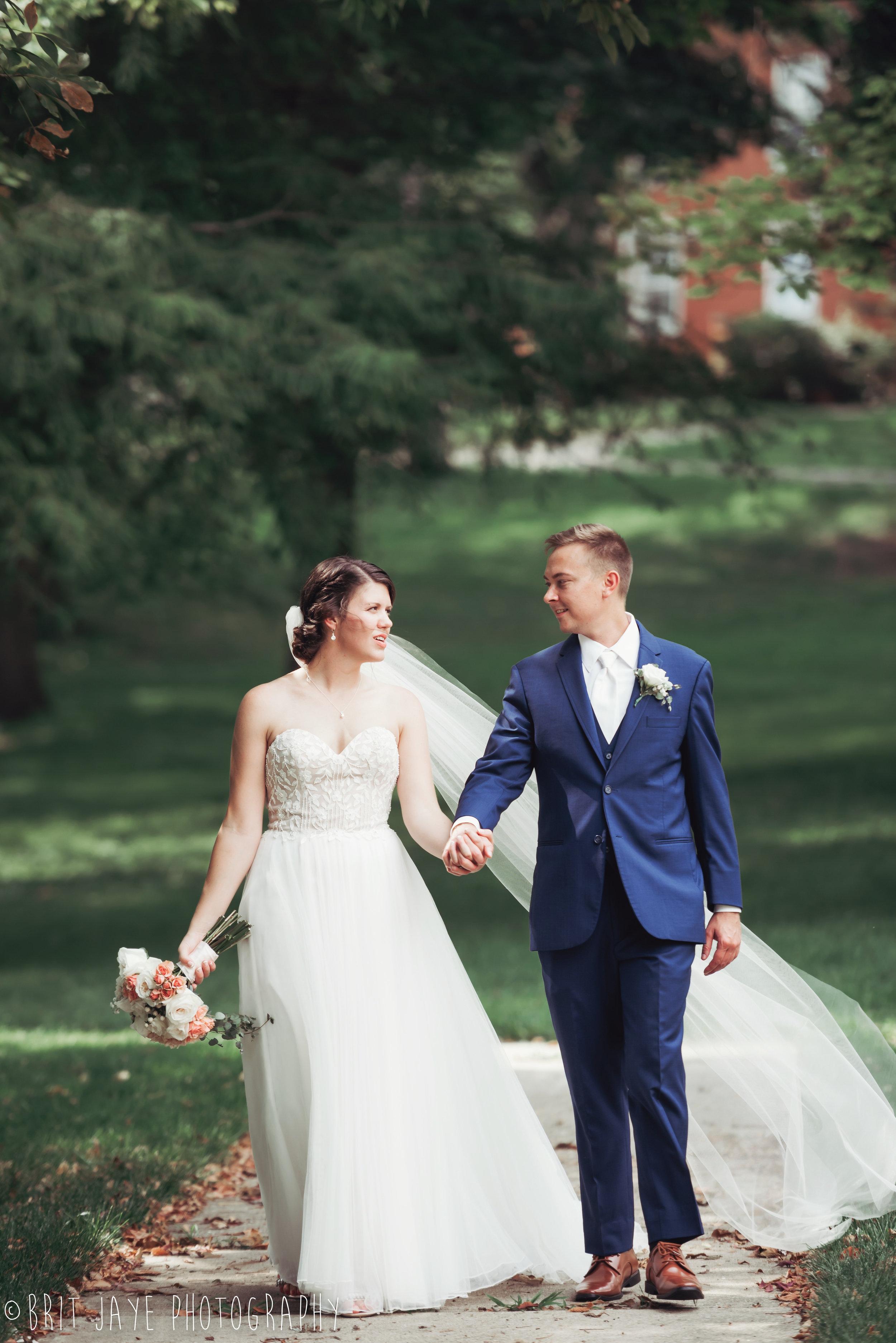 Champaign_aviation_museum_travel_inspired_wedding-1-2.jpg