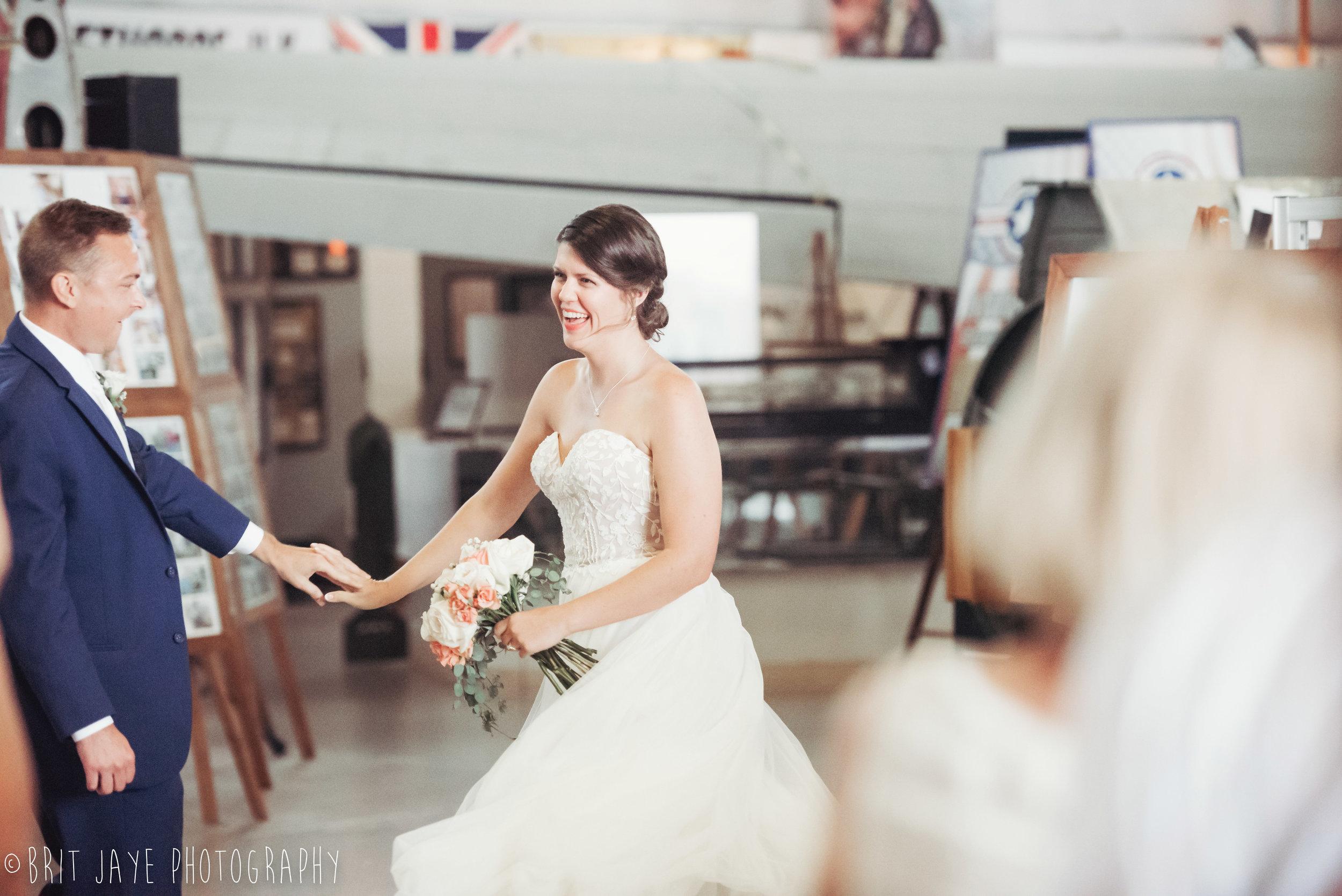 Champaign_aviation_museum_travel_inspired_wedding-76.jpg