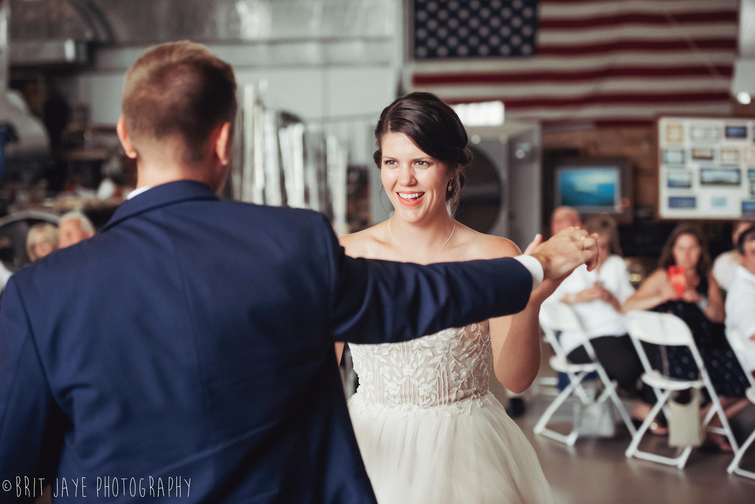 Champaign_aviation_museum_travel_inspired_wedding-79.jpg