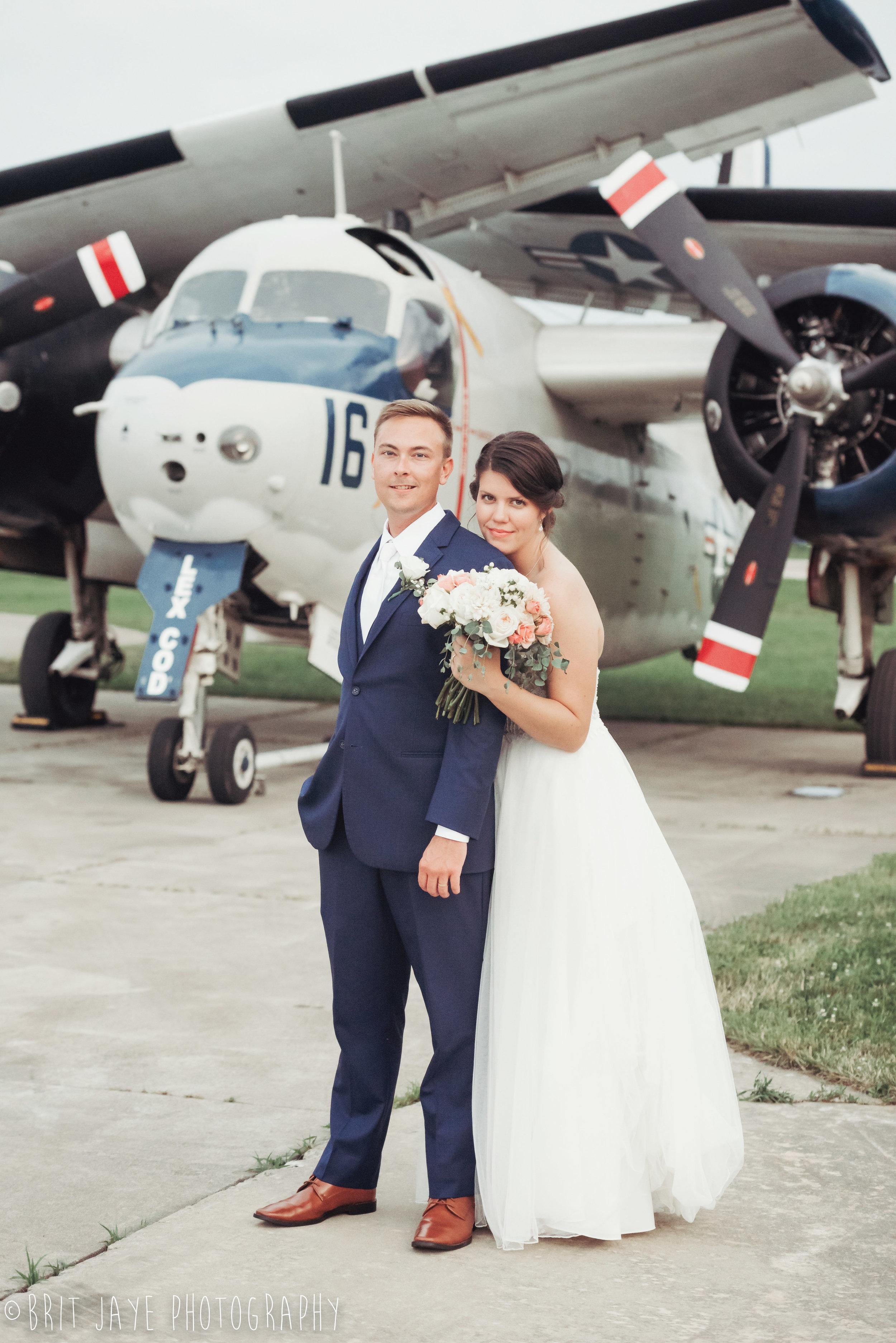 Champaign_aviation_museum_travel_inspired_wedding-84.jpg
