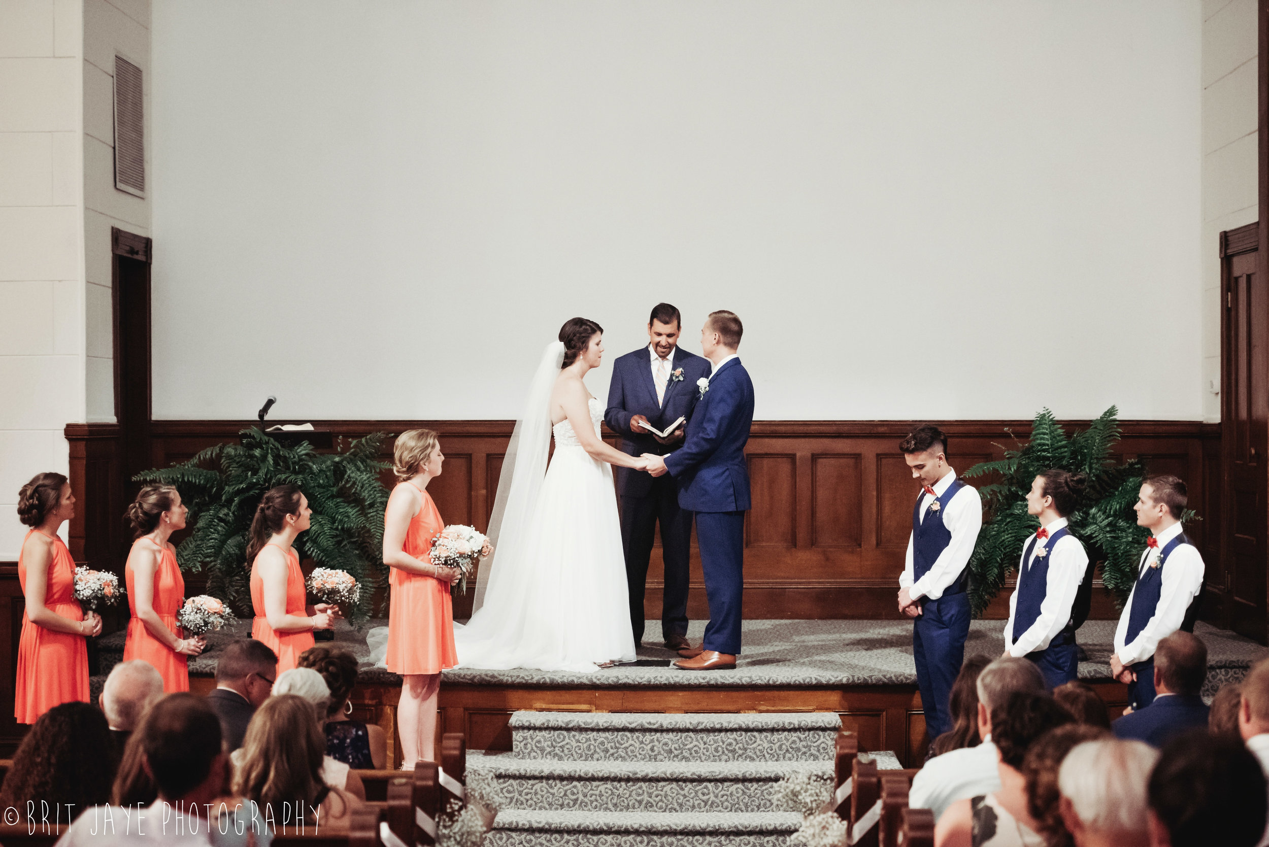 Champaign_aviation_museum_travel_inspired_wedding-4.jpg