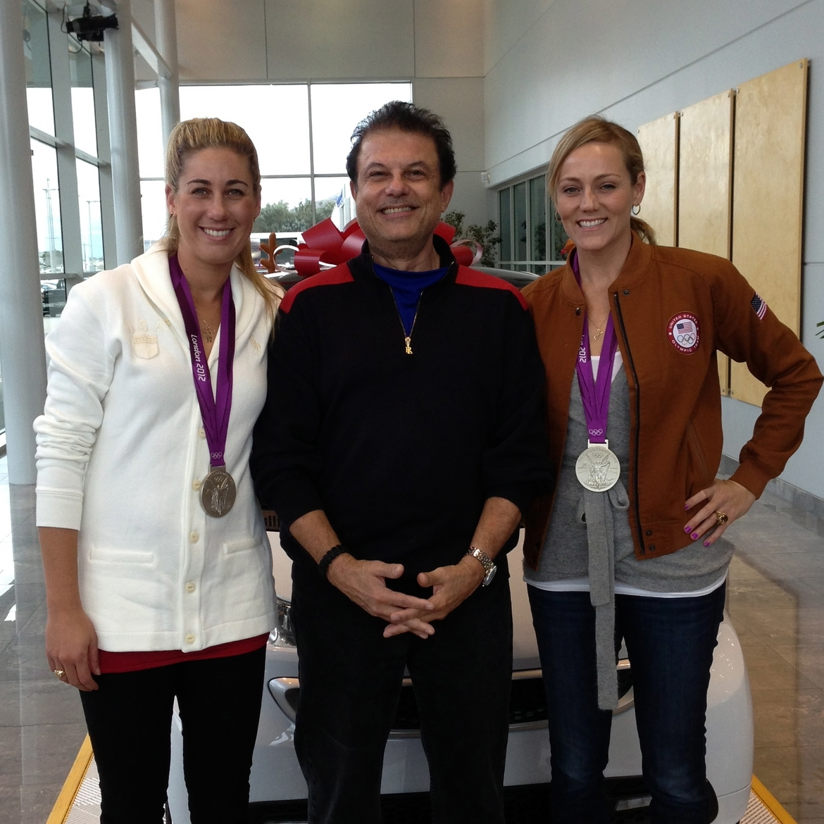 Joe Ippolito with Jennifer Kessey and April Ross  (London Silver medalists volleyball)