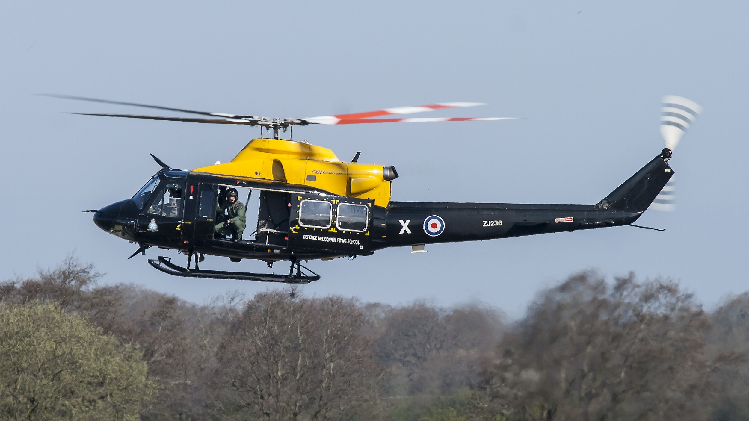This image was taken at  1/250  and you can see some tail rotor movement.