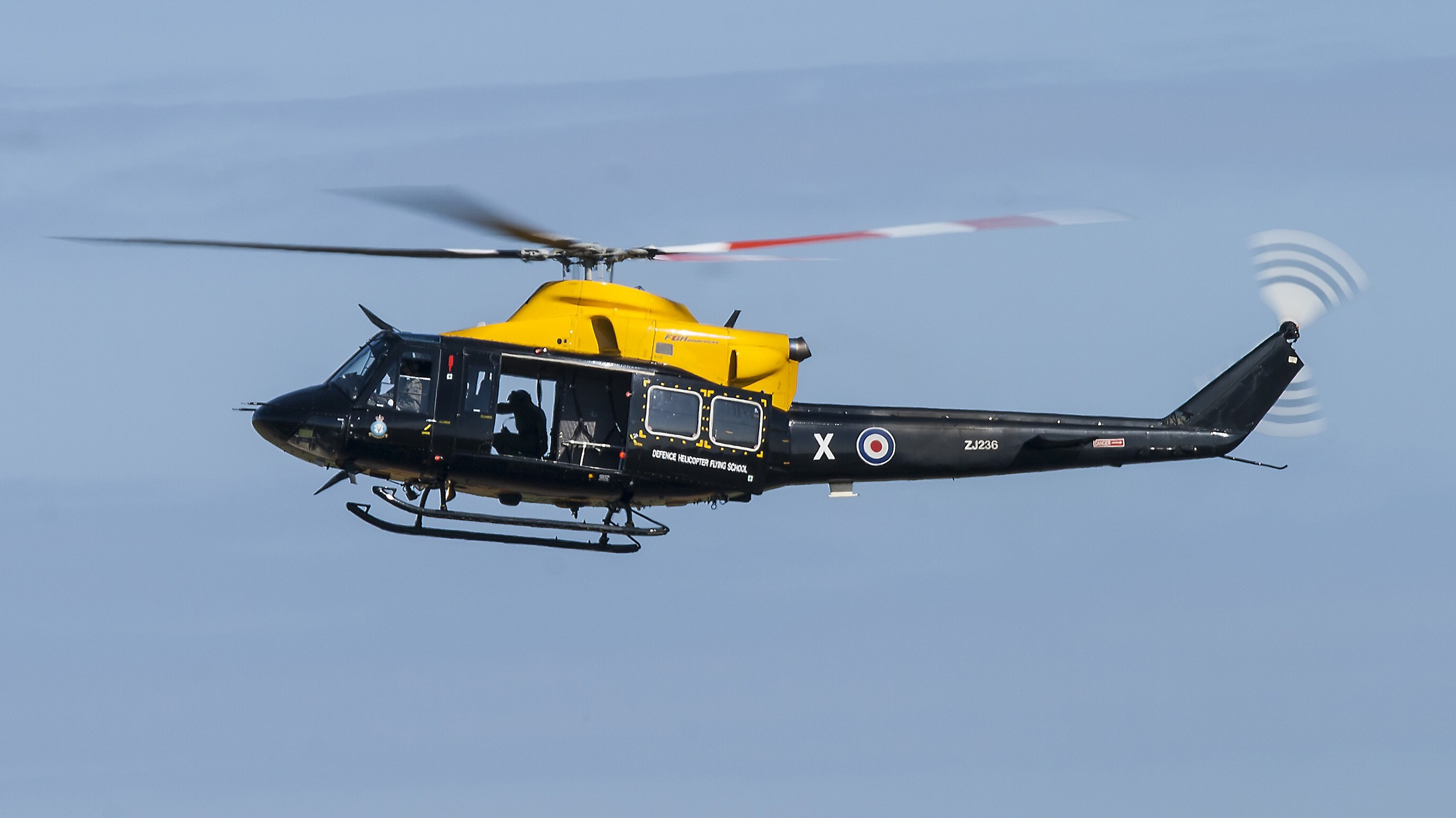 I've now slowed the shutter down to 1/125  and again if you look at the tail rotor you'll notice that there's more movement captured.