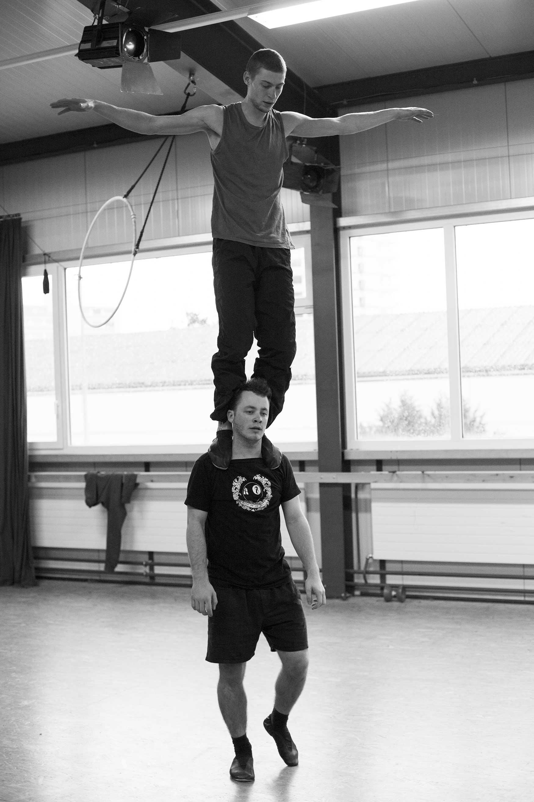 compagnie-trottvoir-produktion-2014-zirkus-luzern_10.jpg