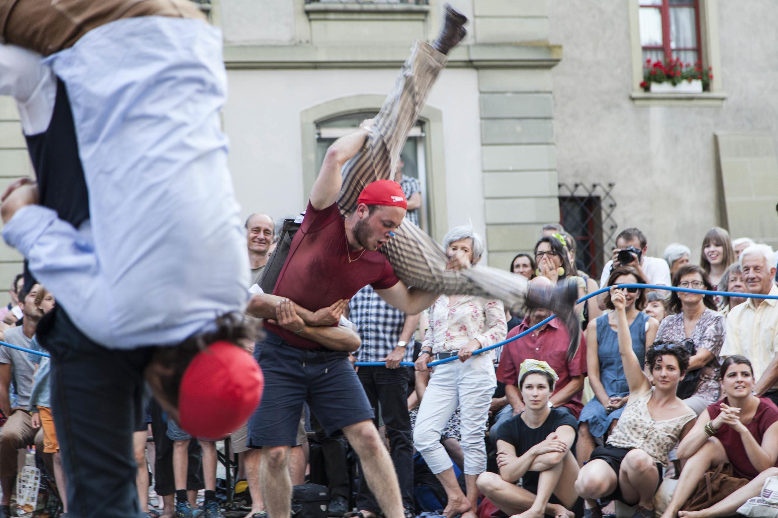 compagnie-trottvoir-2015-sofort-savoire-vivre_show_17.jpg