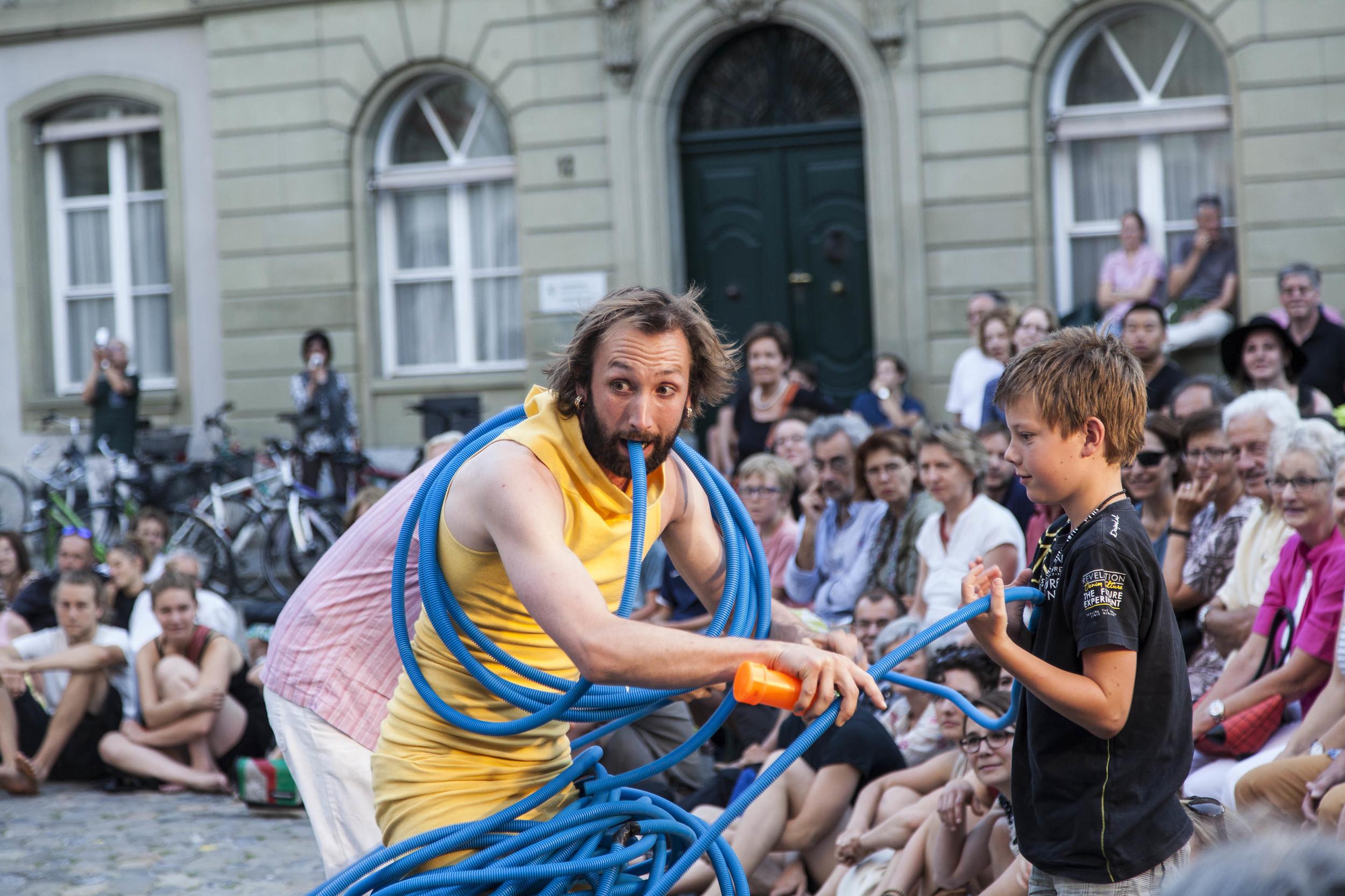 compagnie-trottvoir-2015-sofort-savoire-vivre_show_16.jpg
