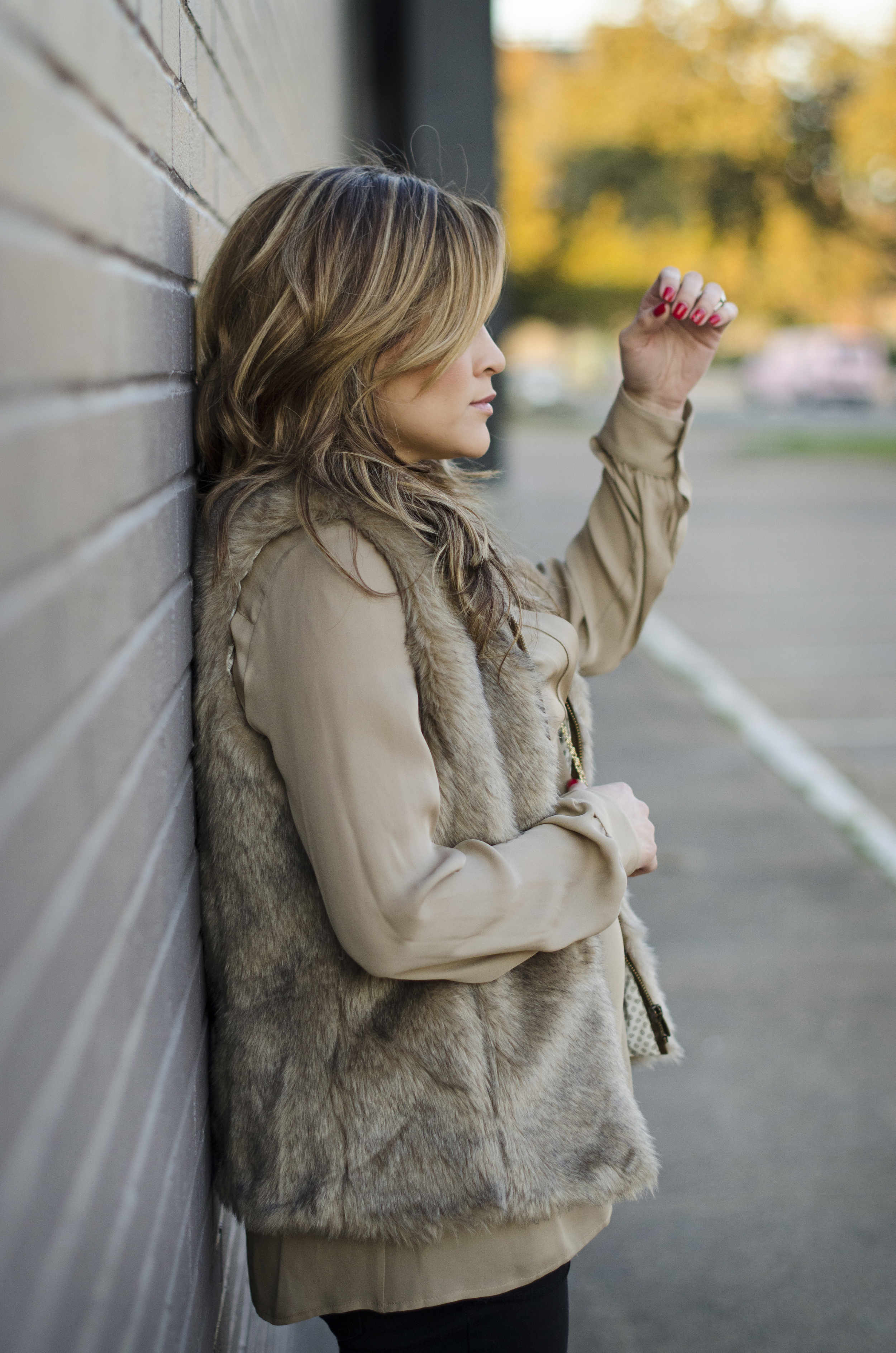 faux-fur-vest-and-tunic-maternity-style