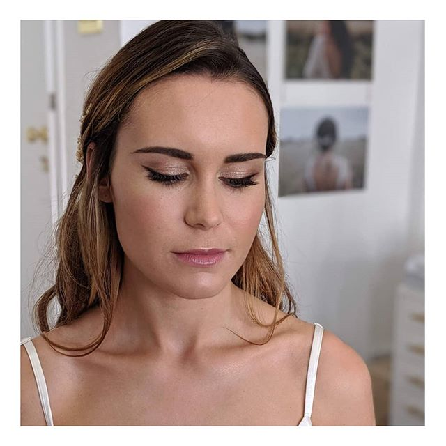 Here are my top 3 phone pics of the mini shoot I did last week with a fab team of ladies at @edenbstudio 💞 if you are a 2020/21 bride and looking for some beautiful hair assessorise make sure you check out Hannah's gorgeous studio in Tunbridge Wells ✨ Hair by the lovely @hero.hairstylist  Beautiful Model @kellyhathaway_92 Makeup by me using a mix of @ctilburymakeup and @tomfordbeauty  I will share the pro pics soon... they are amazing 🙌🏻