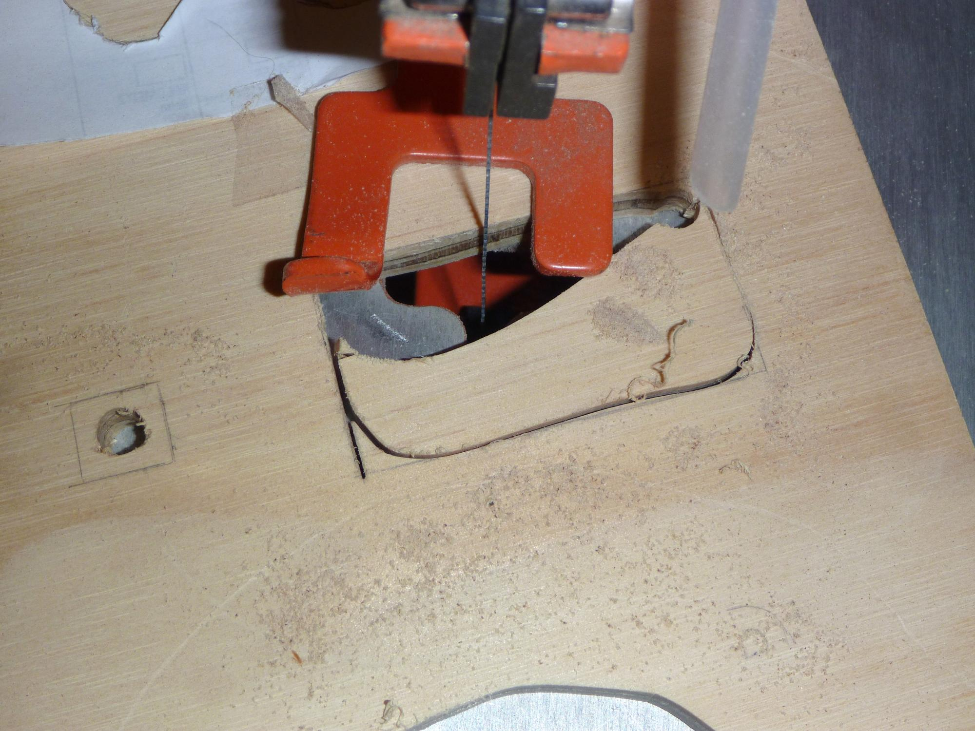 11-scroll_saw_cut.jpg