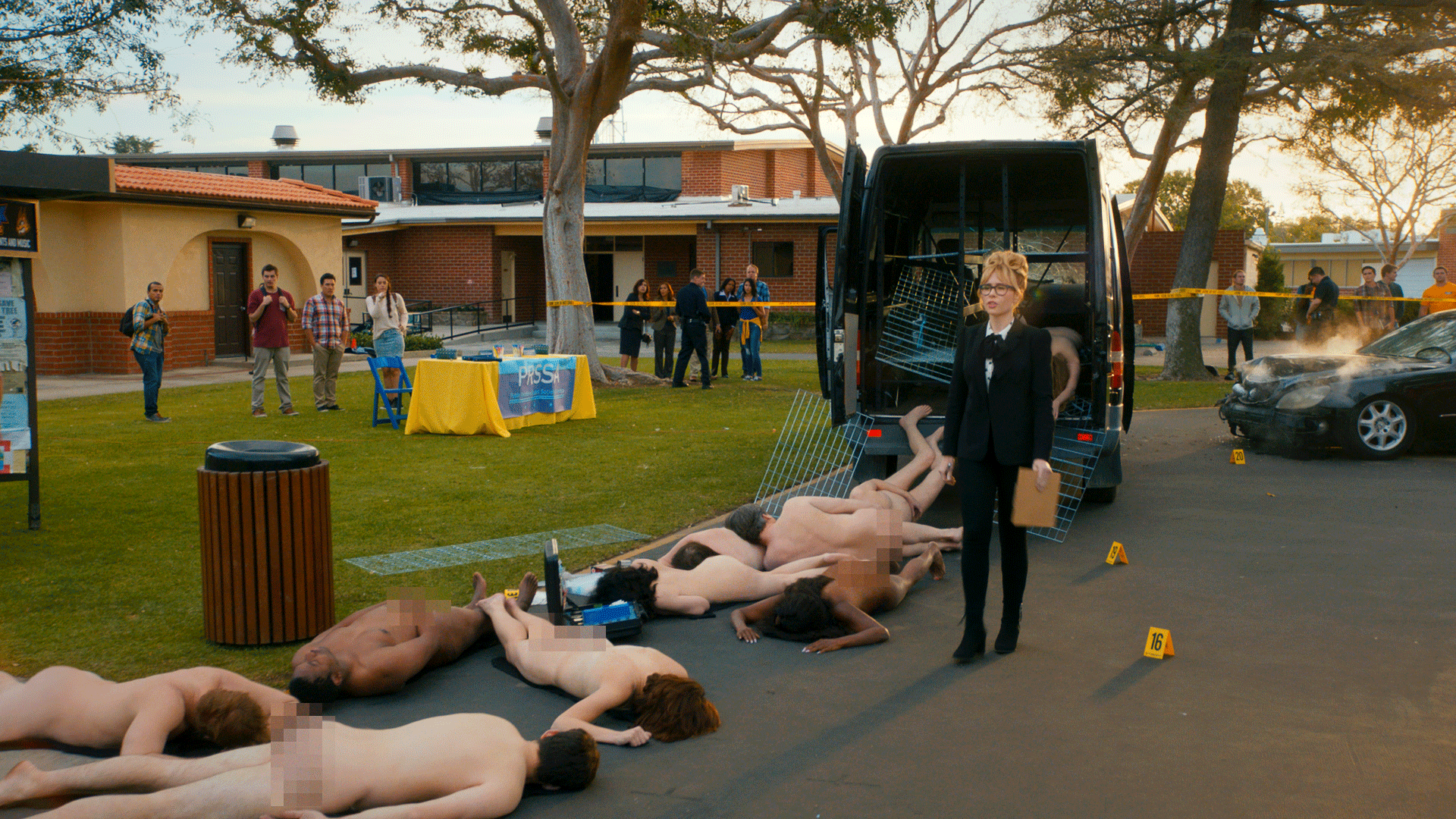 Angie-Tribeca-S3_2.png