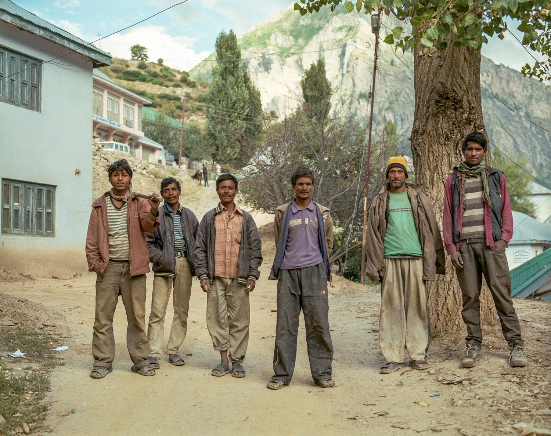 Nepalese road workers.jpg