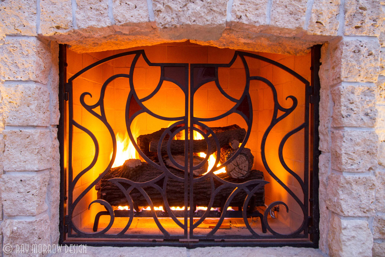 fireplace-lit-custom-fire-screen-dana-point.jpg