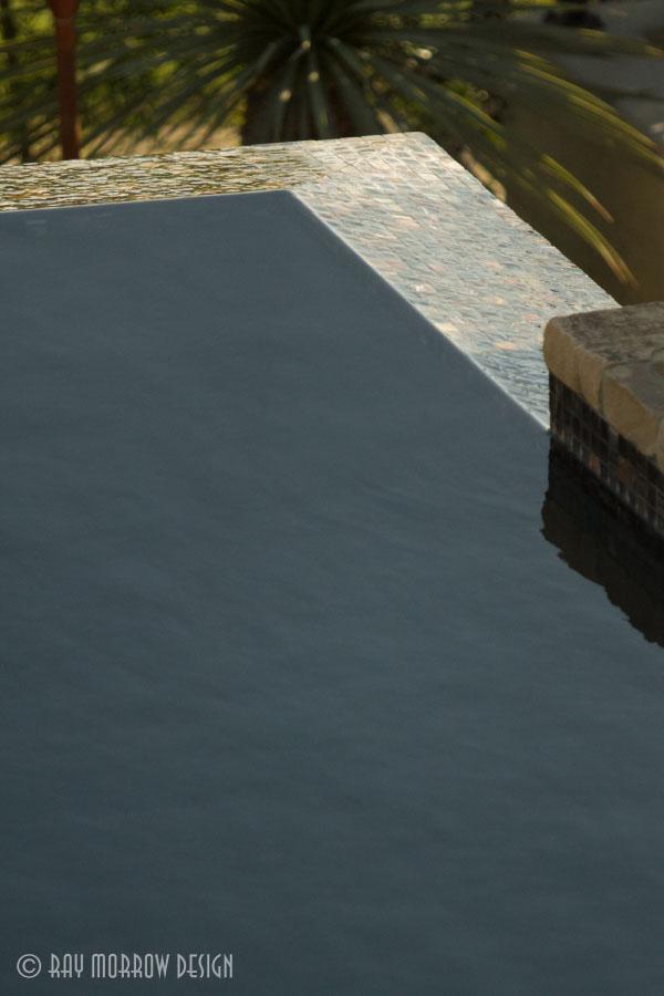 infinity-edge-pool-corner-manhattan-beach.jpg